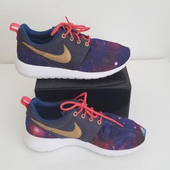 low priced 4c2b9 e1fb7 Nike Roshe Run Galaxy Sneakers. M 5c0056ecaa87708bd3454e9a